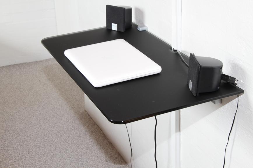 computerbord Computerbord i glas med sort glasscolour – GlassColour computerbord
